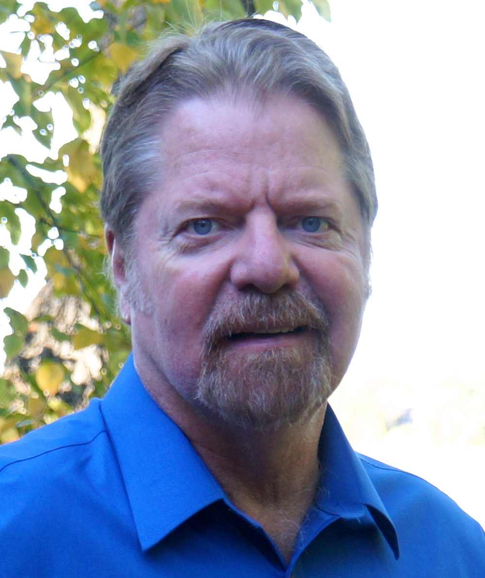 Author Tom Combs