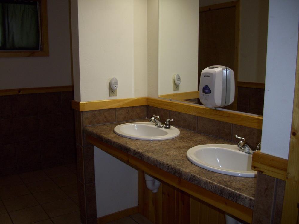 Neenah bathroom