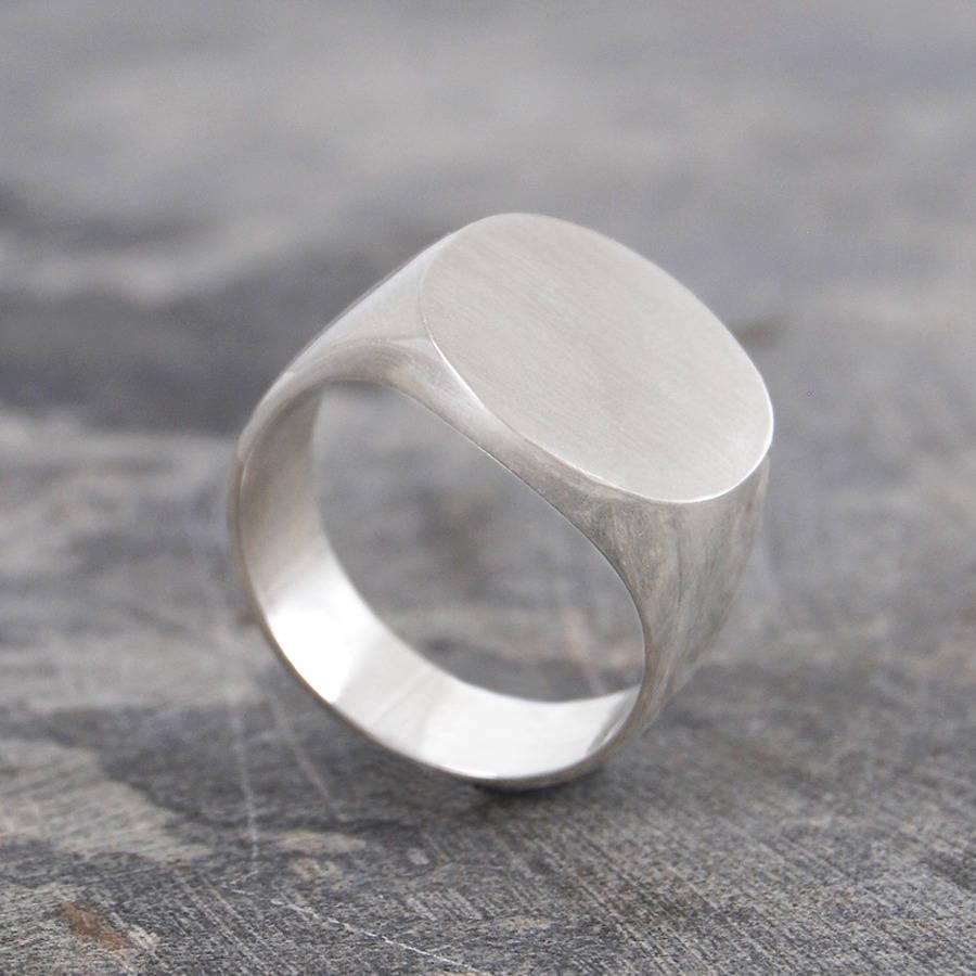 original_chunky-men-s-round-silver-signet-ring.jpg