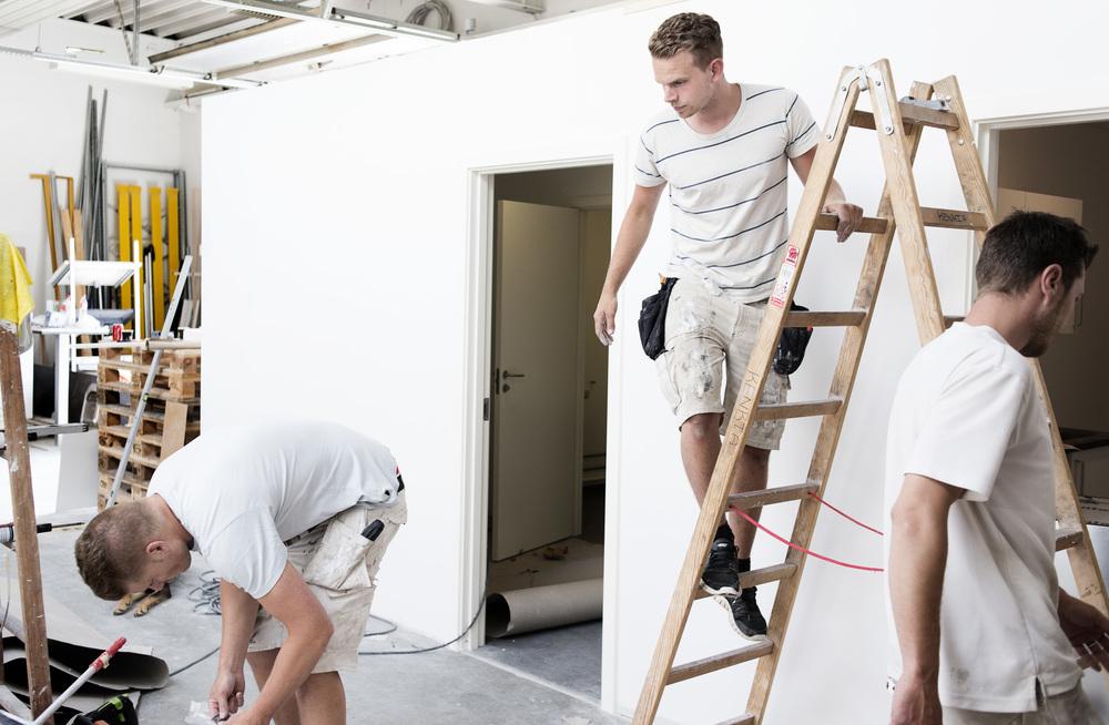 Tømrer færdiggører butik i Holbæk