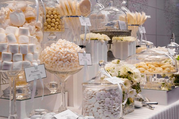 white-candy-buffet.jpg