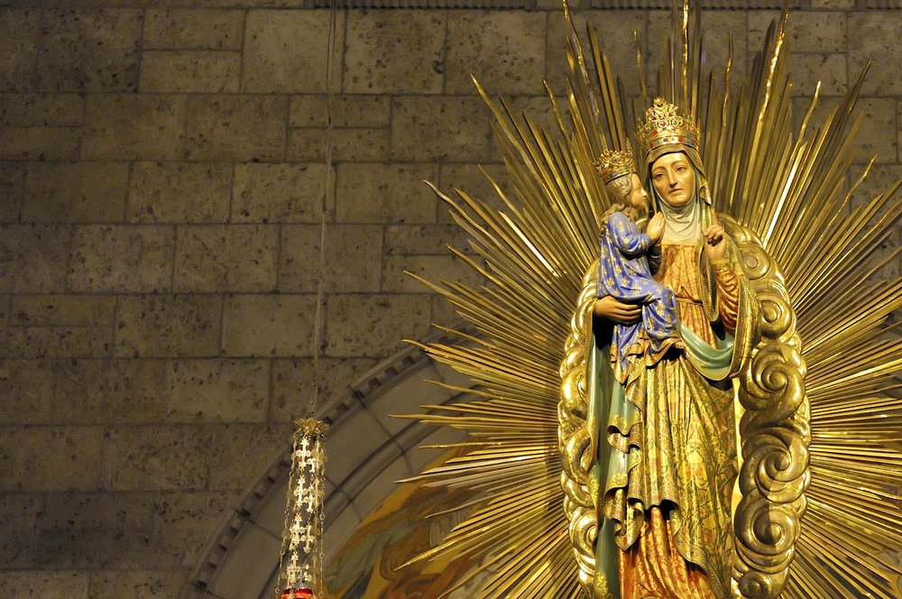 Photo from http://www.sanctuairesquebec.com/en/shrine-of-sainte-anne-de-beaupre