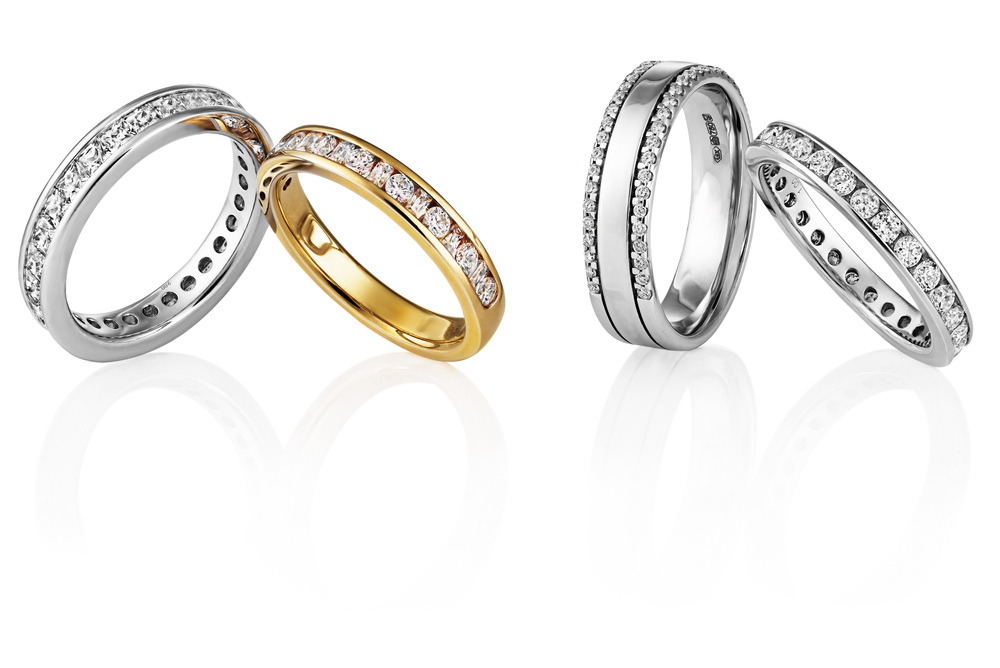Engagement bands at Dimondology for the girls or boys