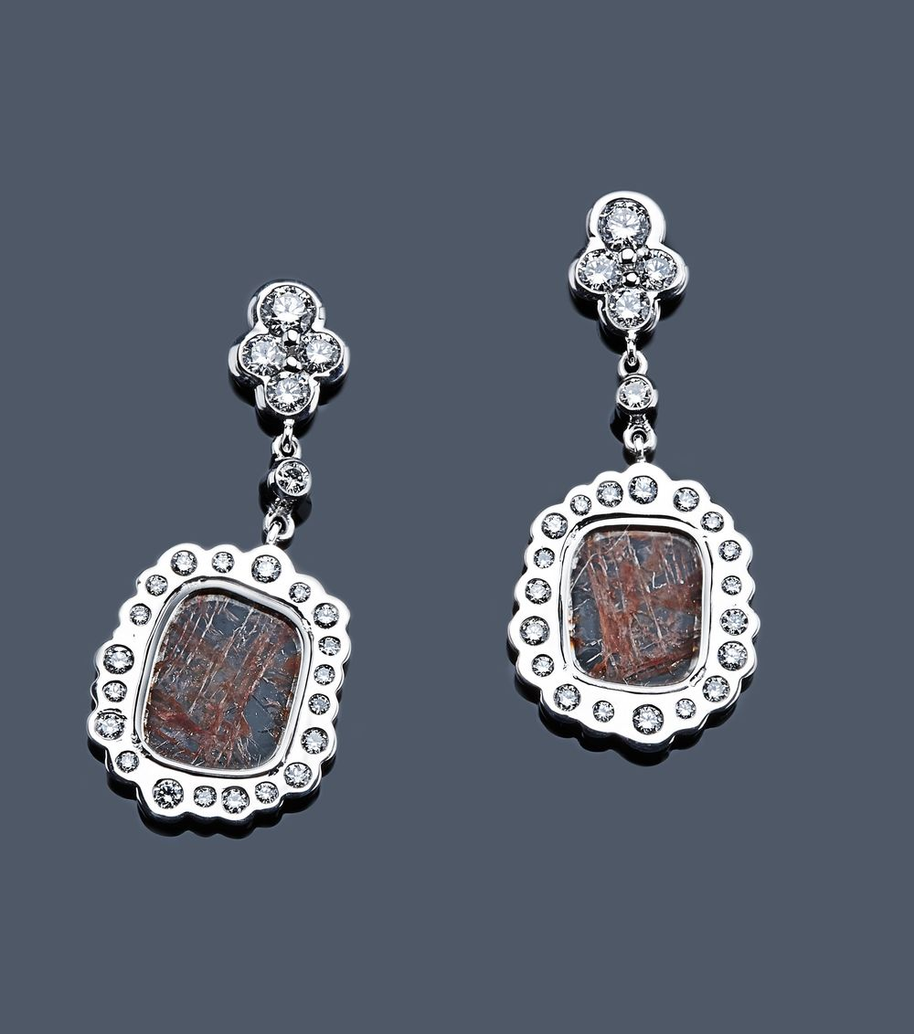 Earrings featuring finely sliced diamonds