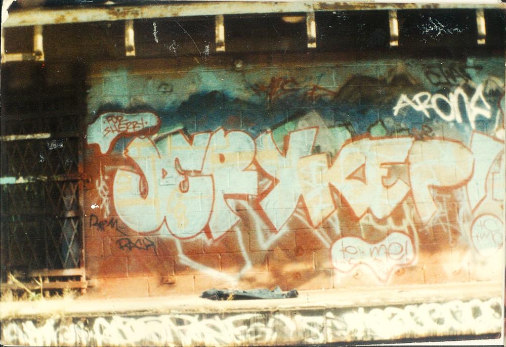 22 graffiti.jpg