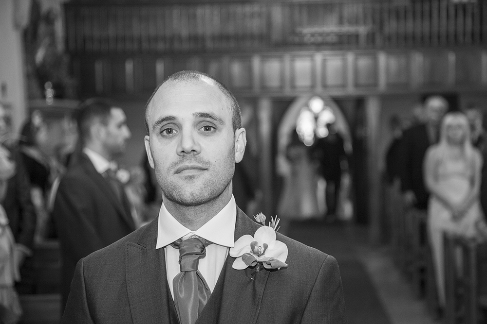 Harvington church wedding photographer.jpg