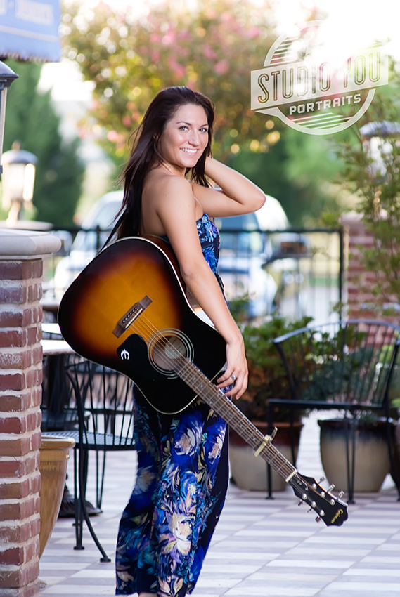 seniorgirl with guitar plano senior portraits