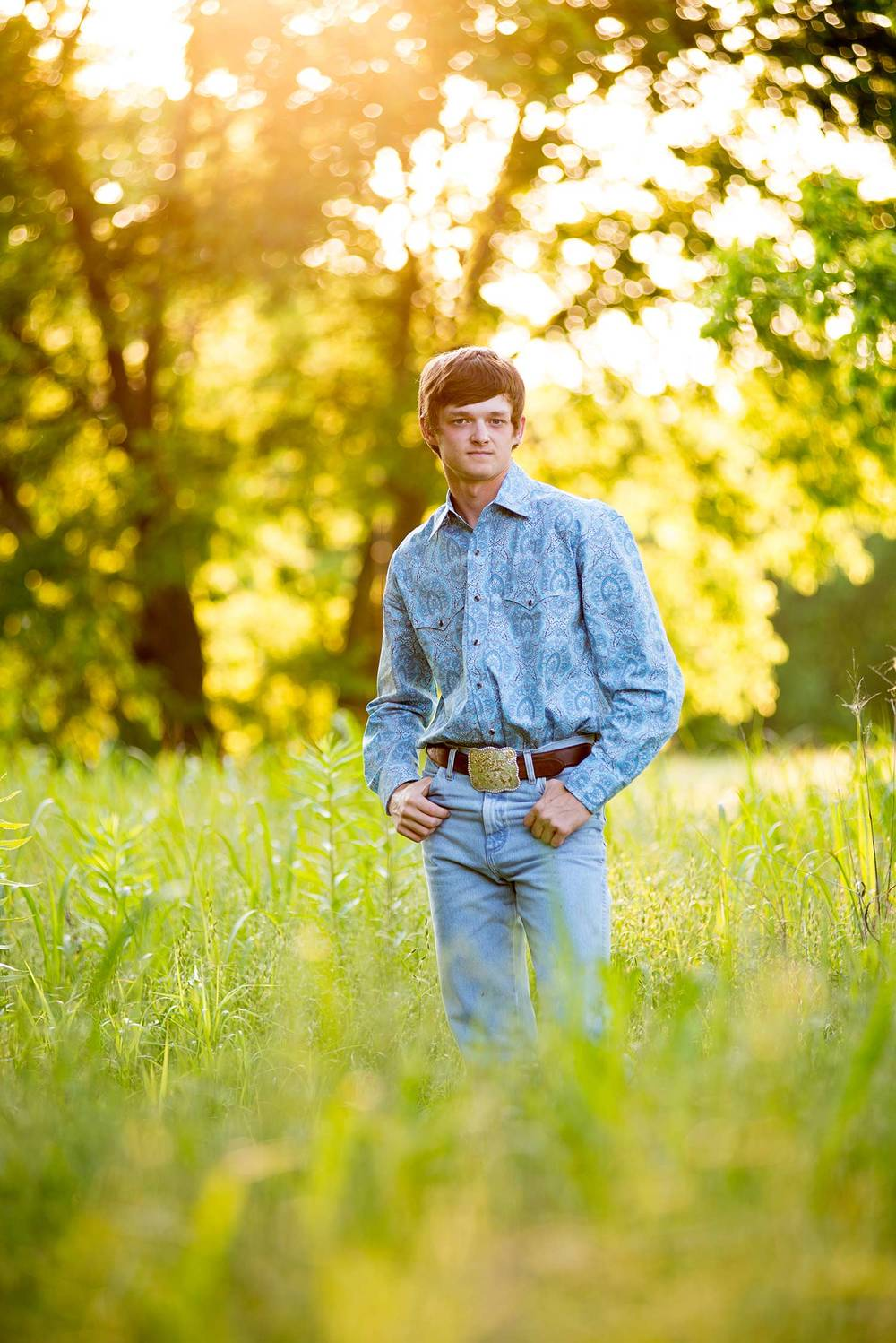 senior-boy-in-country-dallas.jpg