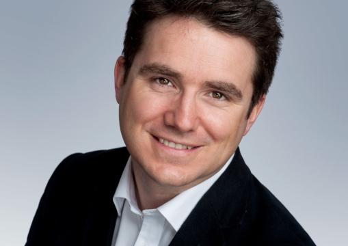 Simon Bucknall