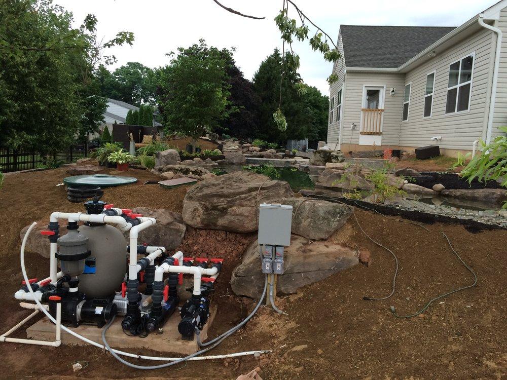 Pondworks_construction_pond_filtration.JPG