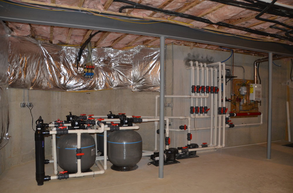 Maintenance_vault_pond plumbing_custom filtration_05.JPG