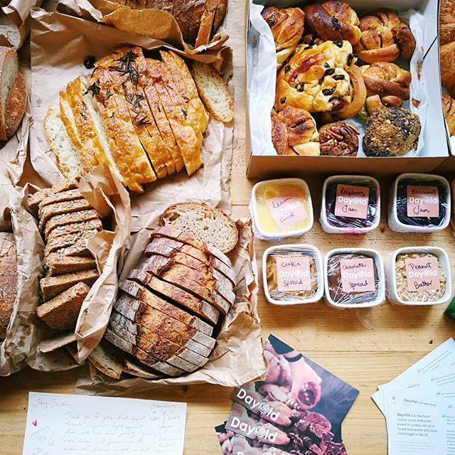 Breakfast spread @sanctus 🍞🍪🍰💕 Sanctus is here to change the perception of mental health - they are aiming to put the world's first mental health gym on the high street 💪😎 We love fueling amazing organisations changing the world with delicious surplus treats 😘😘😘