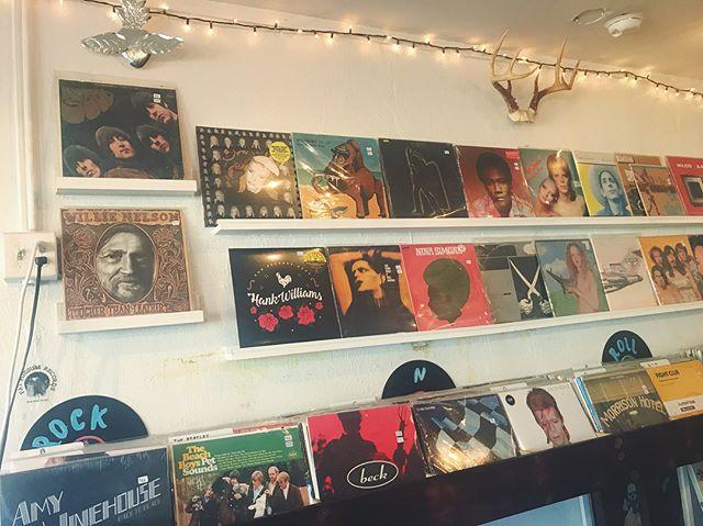 New things up n out 〰 including OG near mint Nina Simone 💎 . . . . . #pattismith #vinyl #vintage #vintagevinyl #nowspinning #recordstore #records #recordshop #shopsmall #shoplocal #postpunk #newwave #music #vinylcollection #nola #neworleans #beck #amywinehouse #beachboys