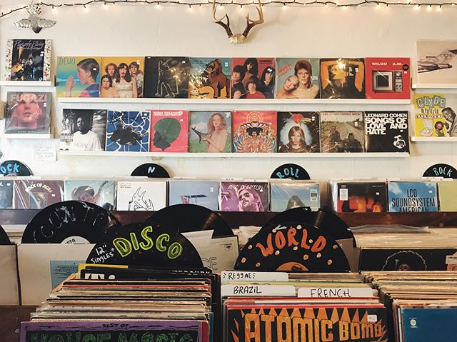 Door open breezy day in the shop ✨11-7pm today . . . . . . . . #vinyl #recordstore #records #nola #neworleans #williamonyeabor #fugazi #devo #gramparsons #loureed #shopsmall#girlboss #shoplocal #vinylcollection #tgif