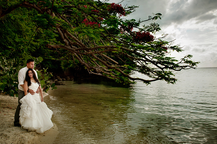 grand-palladium-jamaica-trash-the-dress-photos-olivia-vale-079.jpg