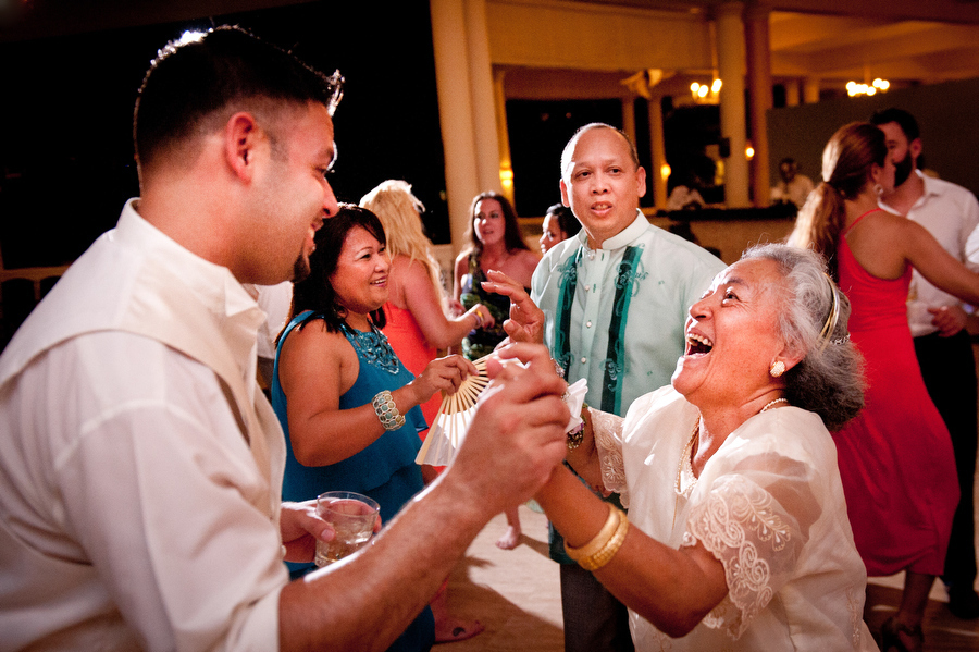grand-palladium-jamaica-wedding-bonfire-photos-olivia-vale-108.jpg