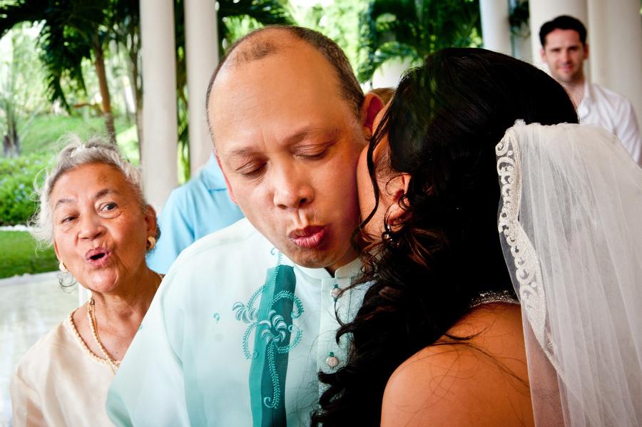 grand-palladium-jamaica-wedding-bonfire-photos-olivia-vale-099.jpg
