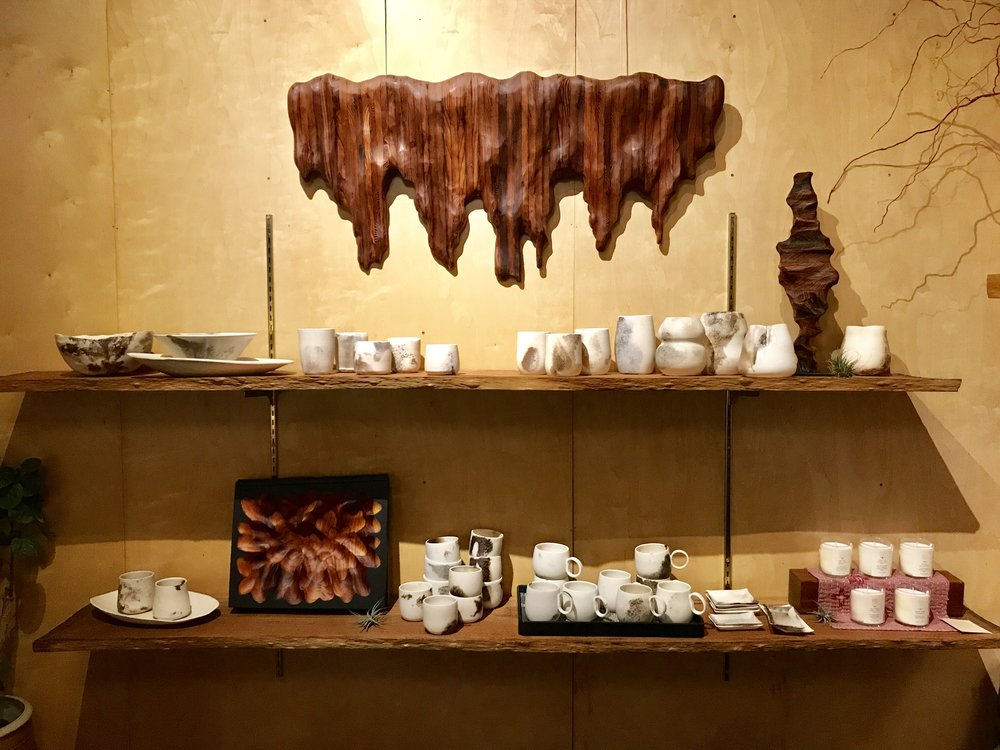 h u g o m e n t o - Wooden sculptures and wall art by Lutz Hornischer and ceramic plates and cups by Carole Neilson