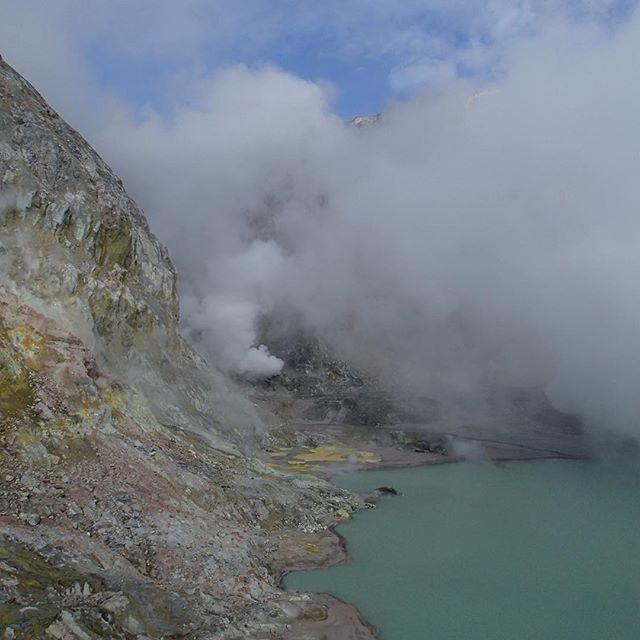 #KahuNZ #crater#lake#whiteisland