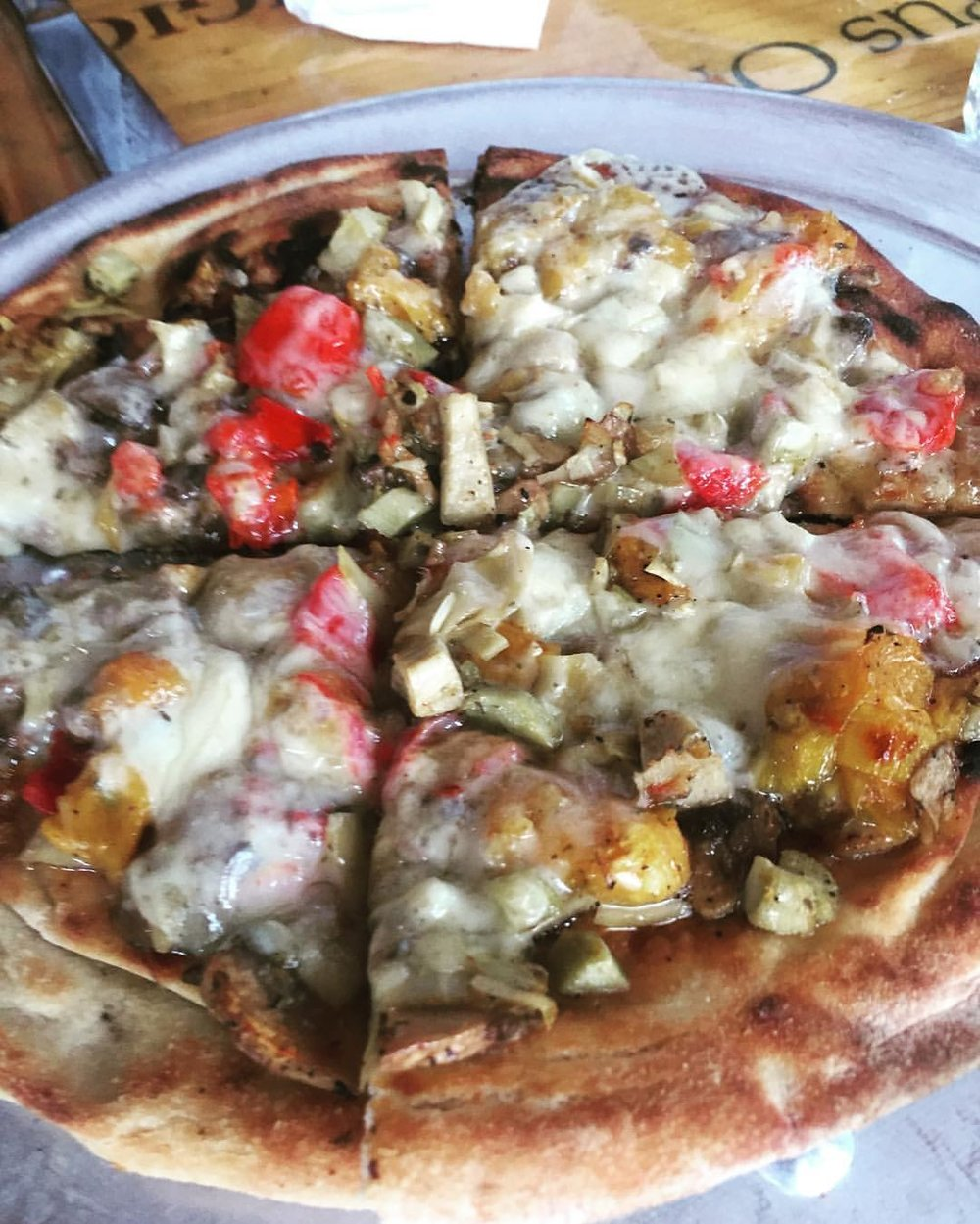 We had some yummy things at Sac's Place today – especially the coal oven veggie pizza: artichokes, mushrooms, roasted tomatoes & fontina cheese. Can't wait for their full brunch debut next Saturday. Thanks @sacsplace for having all these wonderful Astoria/Queens friends for a tasting! (at Sac's Place Restaurant)