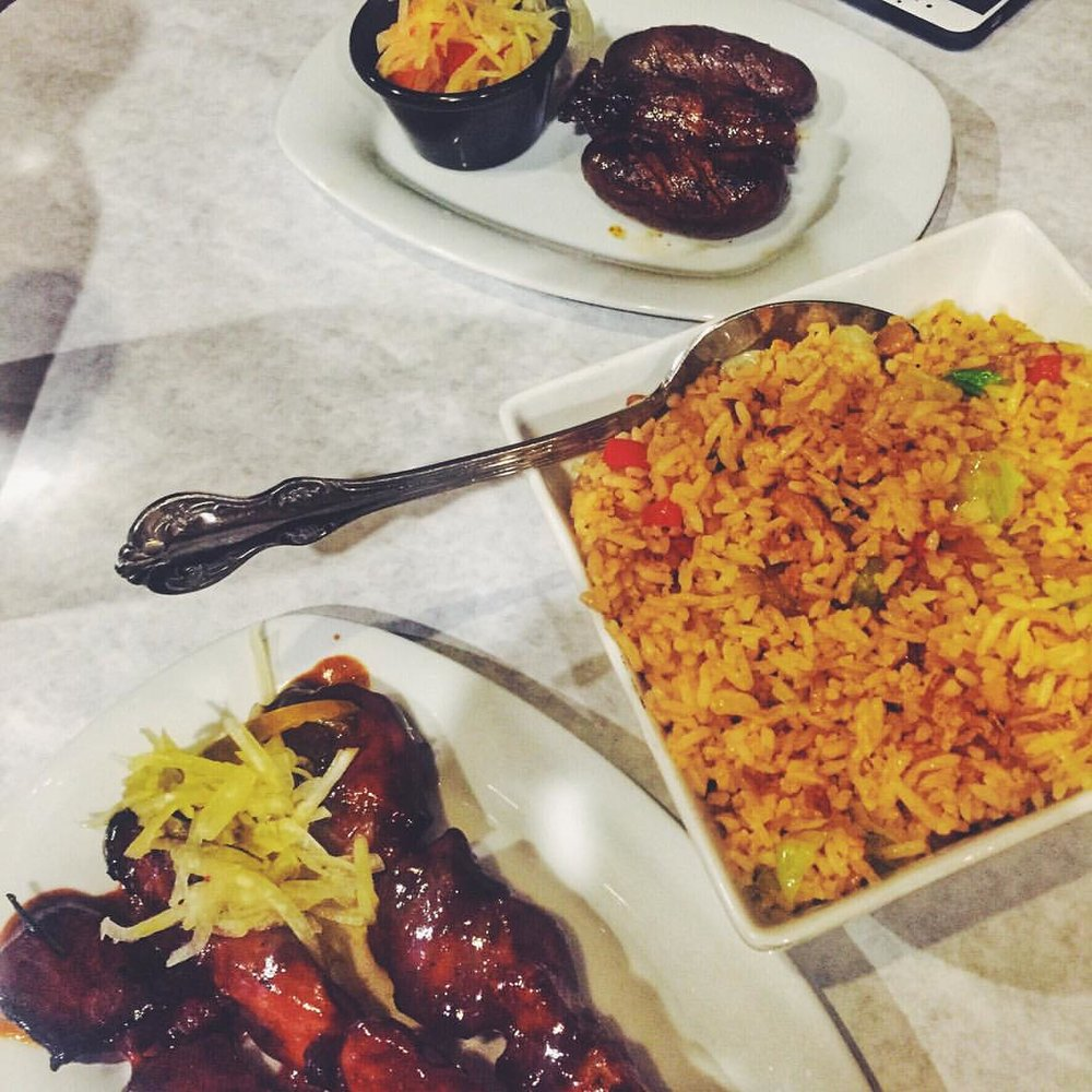 Craving right now: sweet longanisa sausage, adobe fried rice, & BBQ pork skewers from Tito Rad's in Woodside          #woodside #woodsideny #sunnyside #woodsidefood #food #queenseats #eeeeeats #queensnyc #queensfood #queens #heartofqueens cc: @steph_meg  (at Tito Rad's Grill)