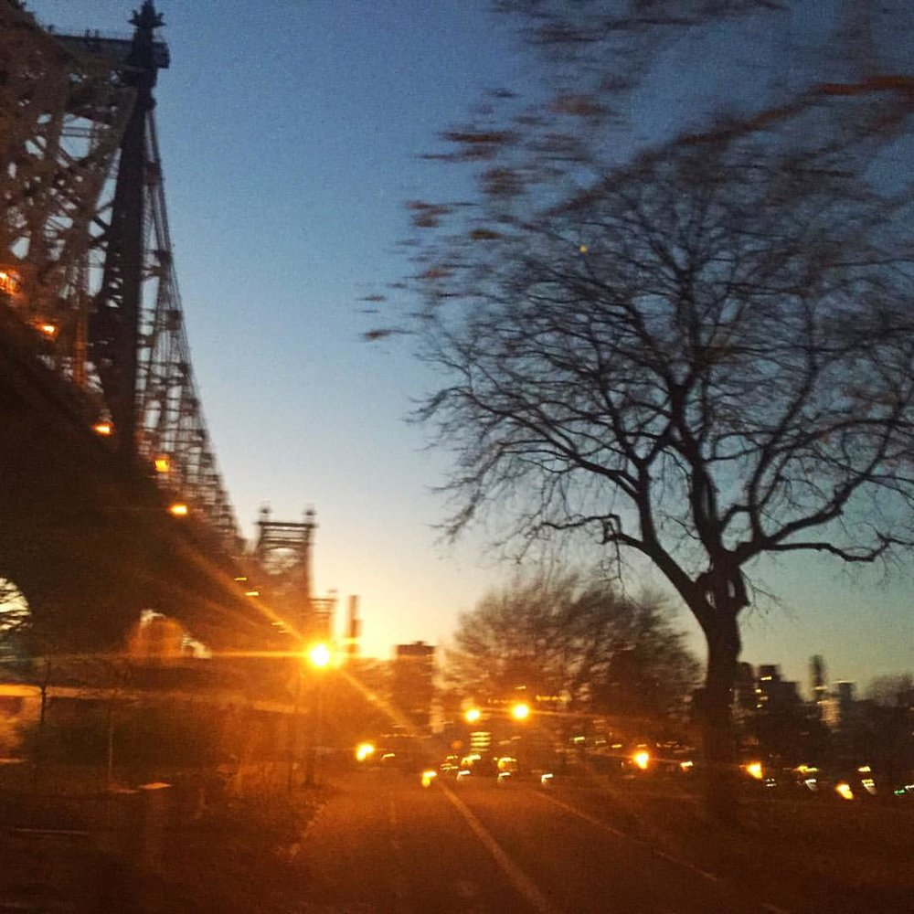 QBB 🌇            #queensborobridge #edkochbridge #queensbridge #longislandcity #lic  #queenscapes #queenssunsets #queensunset #heartofqueens  (at Queensboro Bridge)