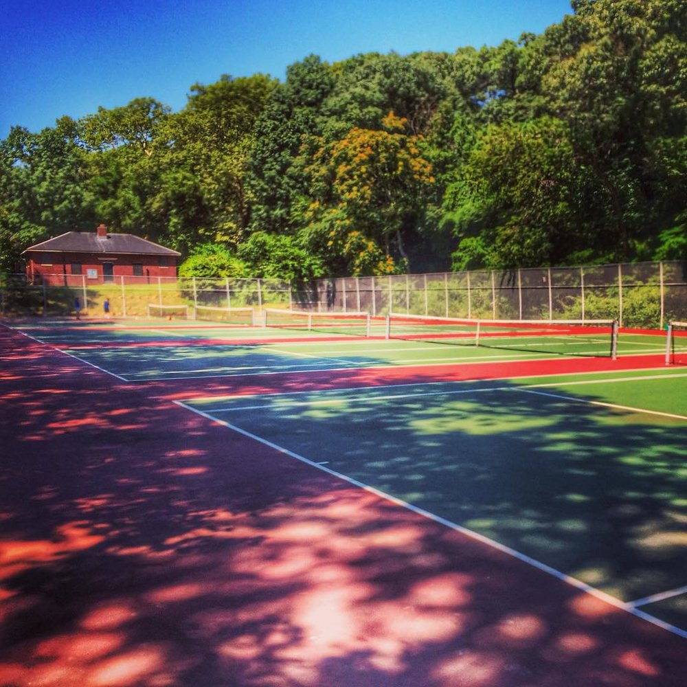Day 83/100: Forest Park tennis courts – where are all the 🎾🎾🎾at?          via @reginaceleste86 aka my mom #forestpark #forestparktennis #woodhaven #woodhavenny #glendaleny #glendale #woodhavenblvd #woodhaven #queenscapes #queensny #queensnyc #itsinqueens #heartofqueens #100DaysOfQueens (at Forest Park Tennis)