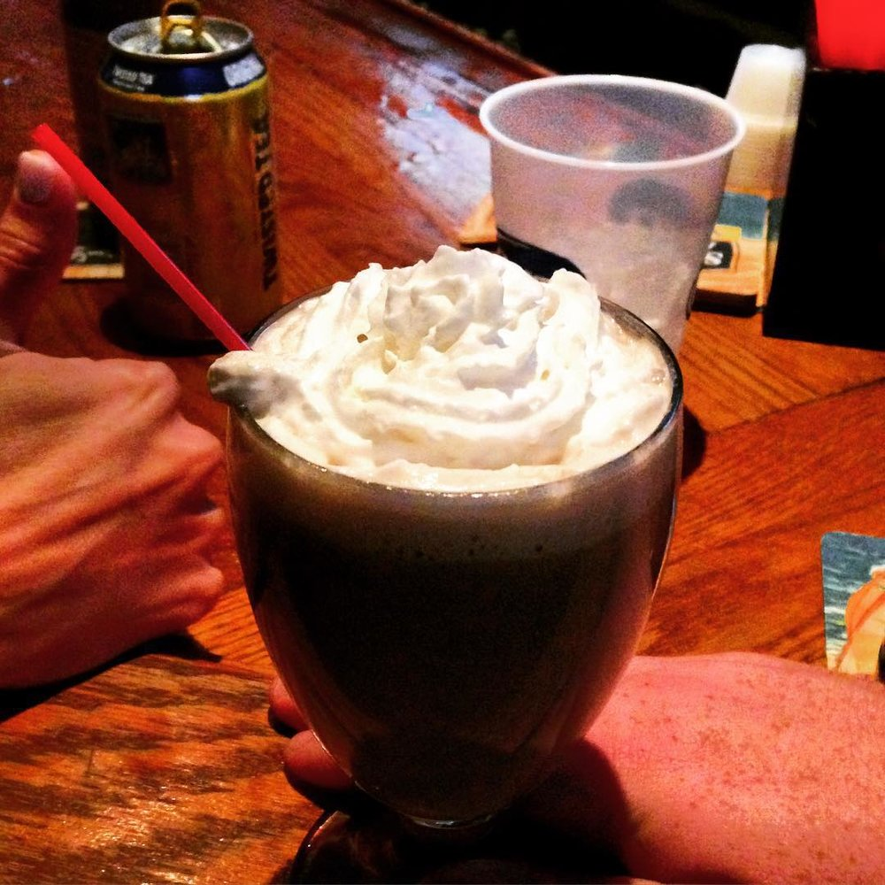Hot Dog's Irish coffee – aka the best in #queens via @stanciii @pjwags88      #bayside #baysideny #sullivans #cjsullivans #queensnyc #queens  (at C. J. Sullivan's American Grill - Bayside NY)