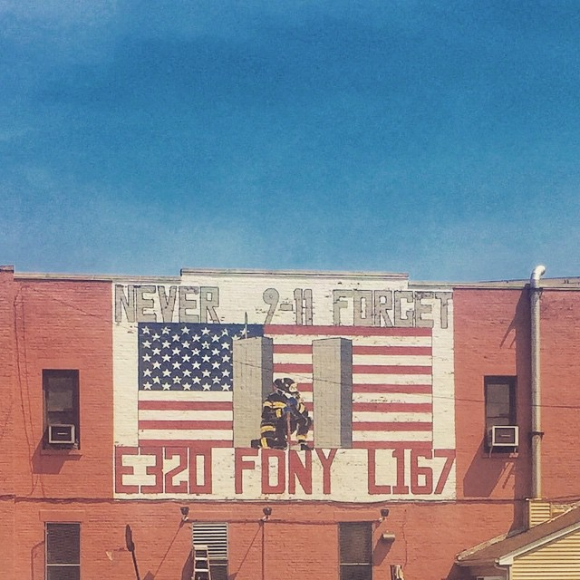 Day 29/100: Never forget.  #engine320 #ladder167    #murrayhill #bayside #flushing #francislewis #freshmeadows #queenscapes #queens #queensnyc #heartofqueens #100DaysOfQueens  (at Engine320 Ladder167)