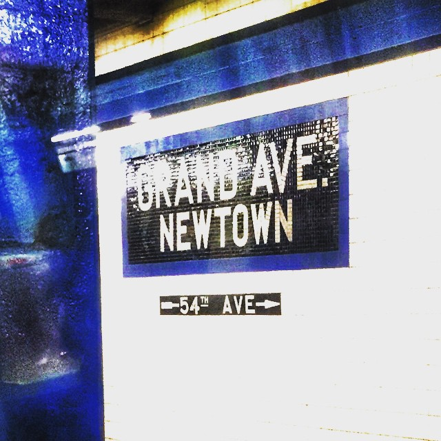 Day 13/100: No longer my daily stop for commuting but I still consider Grand Ave - Newtown in #Elmhurst my home base ❤️🚇       #pickmeupfromthetrainplease #elmhurstny #queens #queensnyc #queensny #queenscapes #itsinqueens #mtrain #rtrain #heartofqueens #100DaysOfQueens  (at Grand Avenue – Newtown)
