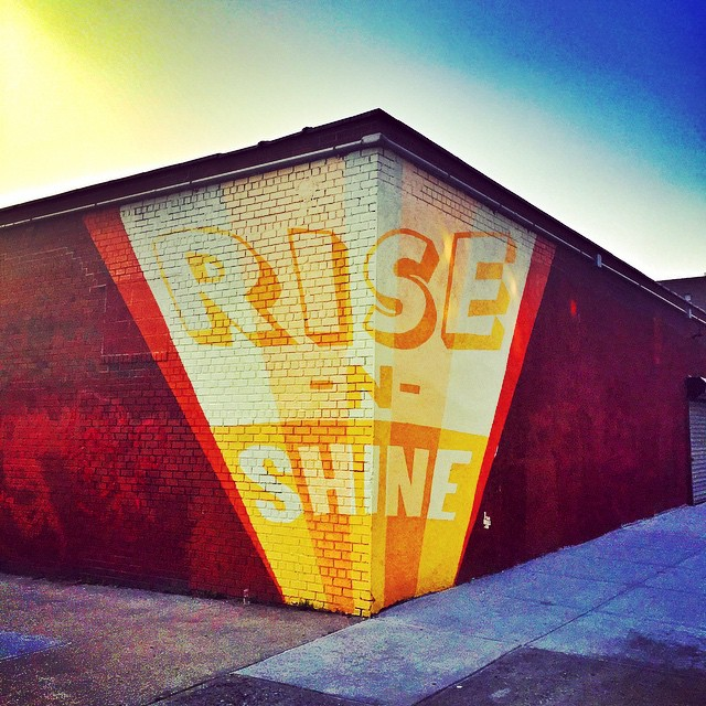 Day 6/100: Rise -N- Shine, #Queens. I am NOT a morning person and waking up for work after a long weekend in #Rockaway is particularly hard. Here's some morning motivation from artist Mark Salinas' mural on 48th ave & 42nd Street in #Sunnyside. #queens #queensnyc #heartofqueens #sunnysideny #100DaysOfQueens (at Sunnyside, Queens)