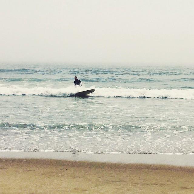 Foggy surf day 🏄 #rockawaybeach    #queens #heartofqueens #rockaway #ilovelongwalksonthebeach #queenscapes  (at Beach 91st - Rockaway Beach)
