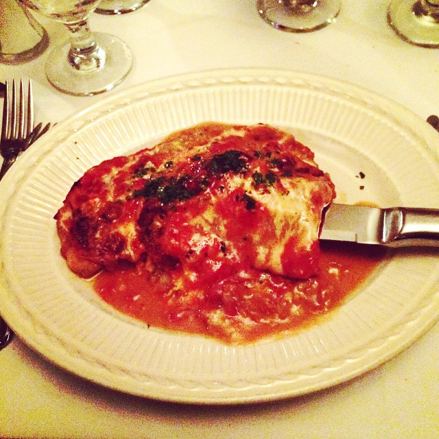 The chicken sorrentino is to die for - via @allisongerrity from her birthday dinner!  #queensvillage @caramiarestaurant #heartofqueens #queens  (at Cara Mia)
