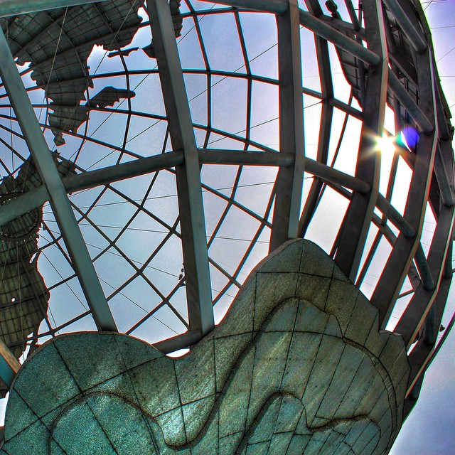 There can never be too many photos of the unisohere #queens #flushingmeadows #corona #heartofqueens #queenscapes #latergram (at Unisphere, Flushing Meadow Park)