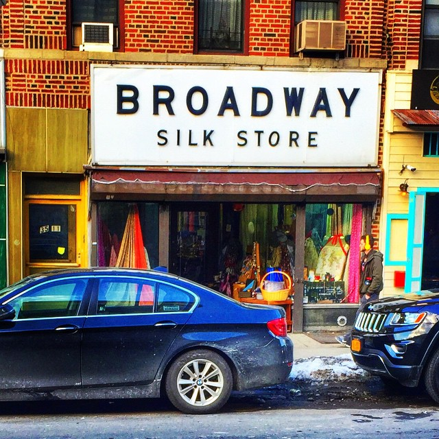 Popped into the Broadway Silk Store yesterday .. They are so cute in there #astoria #queens #queenscapes #heartofqueens (at Broadway Silk Store)