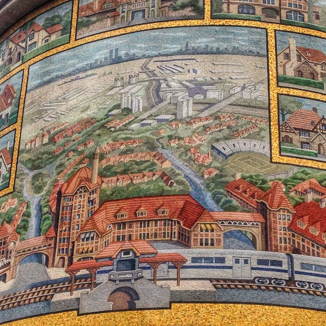 I can't believe I've never noticed this #ForestHills mosaic on the TD bank building on queens blvd & 71st road (at Banter Irish Bar and Kitchen)