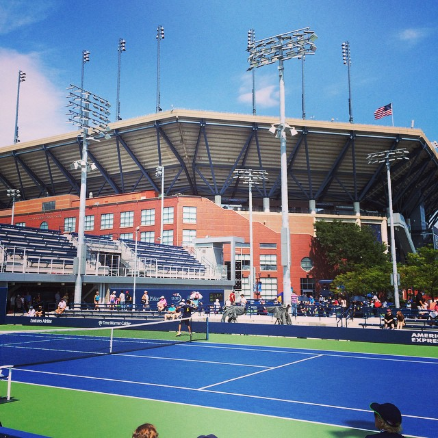 It's that time again! @usopen @ustennis #qualifiers #flushingmeadows #queenscapes #getmobilequeens via @Lizzygilly23 (at USTA Billie Jean King National Tennis Center)
