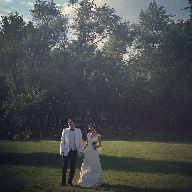 Beautiful day for a wedding @queensfarm congratulations to my cousin john and gozde! #floresbarnwedding (at The Queens County Farm Museum)