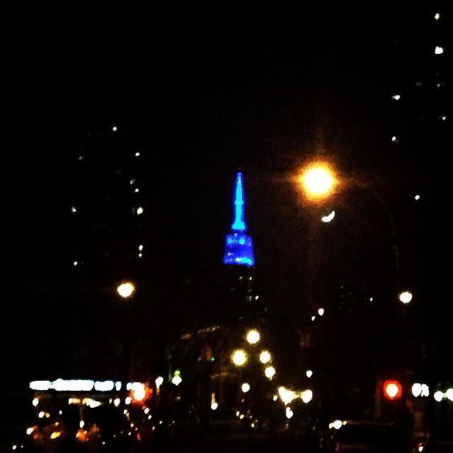 Light it up blue #autismawareness #lic  (at Long Island City, NY)