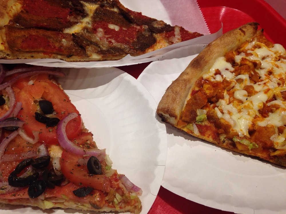 Pit stop at Rosa's Pizza in #Maspeth