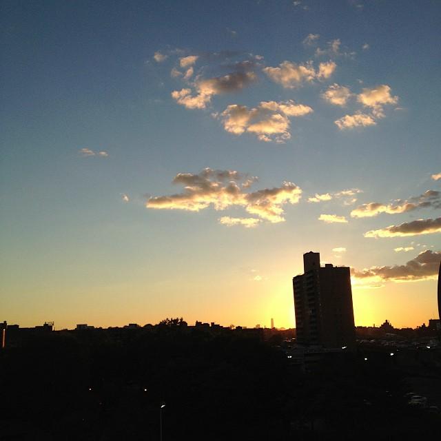 benjaminsantiago :     #regopark #queens #sunset