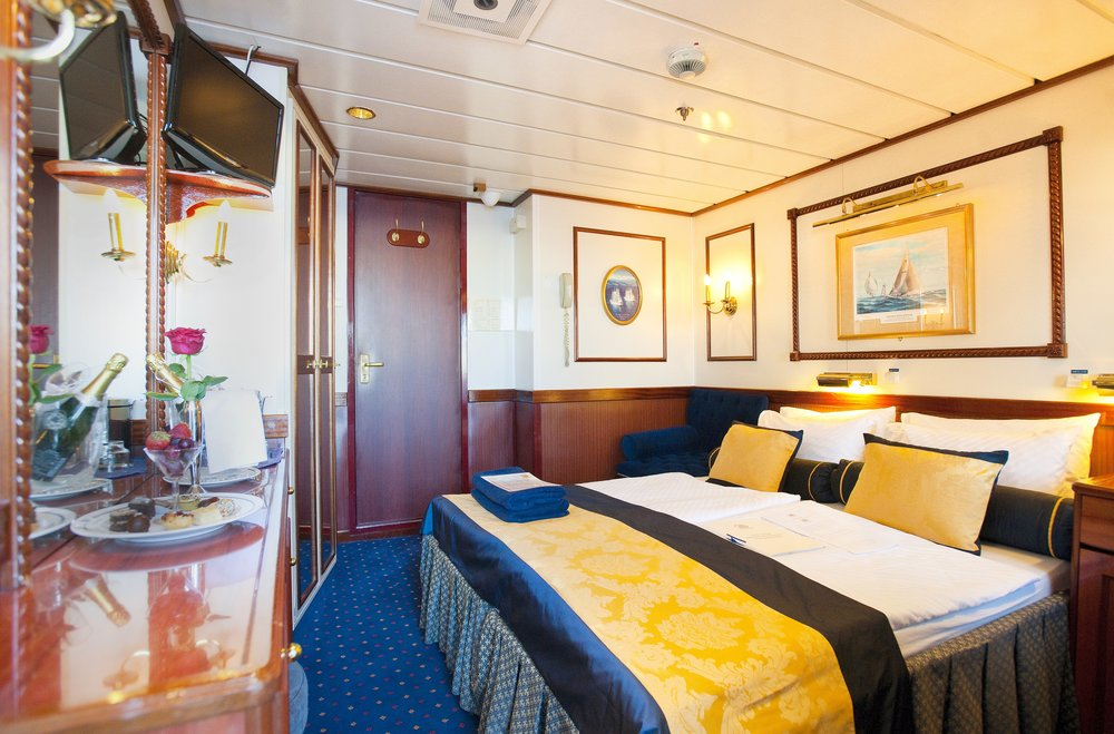 Flyer Cat. 2 Stateroom