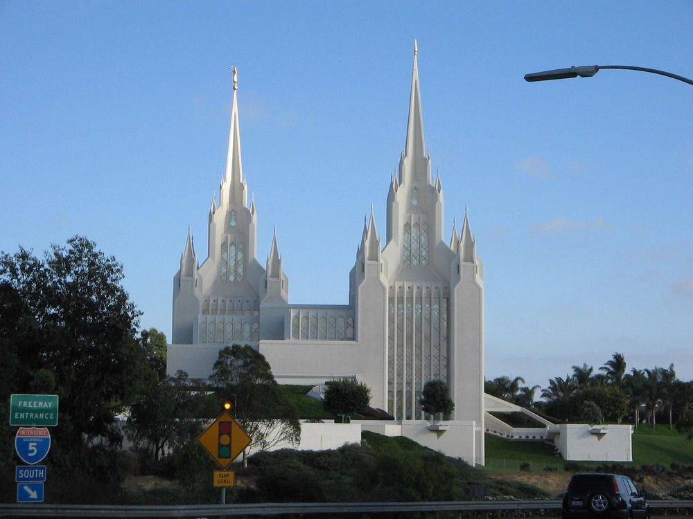 Mormon_temple_san_diego.saa.jpeg