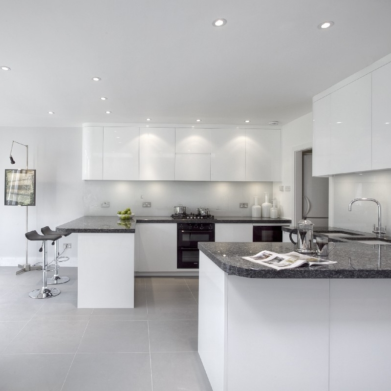 Bright Open Bespoke Kitchen. White Lacquer. Blue Pearl Granite. Light Grey Tiles. Contemporary/Modern Kitchen.