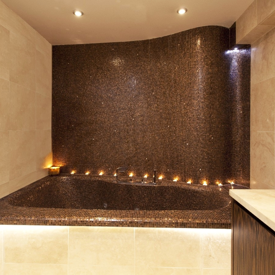 Luxury Bespoke Bathroom. Master Bathroom. Fitting Jacuzzi. Curved Wall. Embedded Wall with Crystal. Limestone. Mosaic Wall.