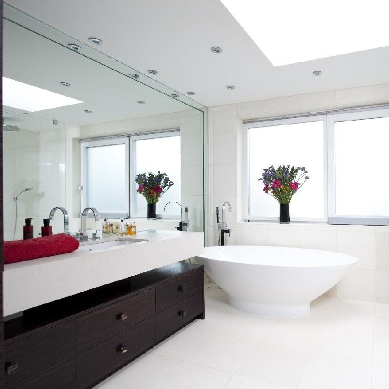 Contemporary & Modern Bathrooms