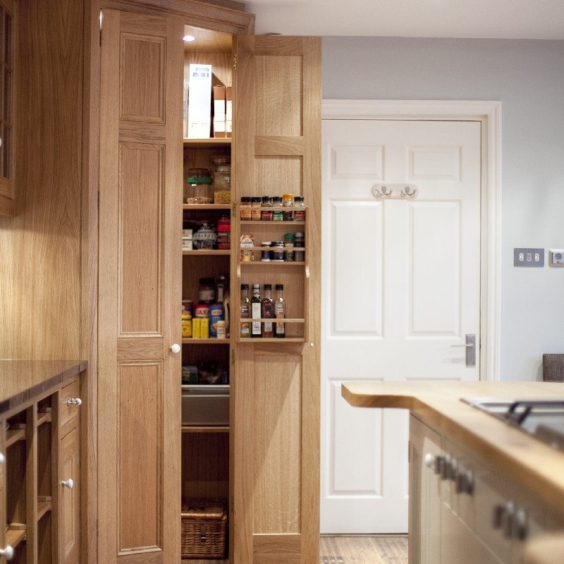 Interior Design Kitchen. Traditional Family Bespoke Cupboards. Solid Oak Wood Furniture. Hand-painted. Breakfast Bar. Cooking Island. Traditional White Ceramic Kitchen Sink. Rustic Kitchen. Country Side Style. Stale Floor. Stainless Steel Gas Hob. Large Bespoke Food Corner Cupboard