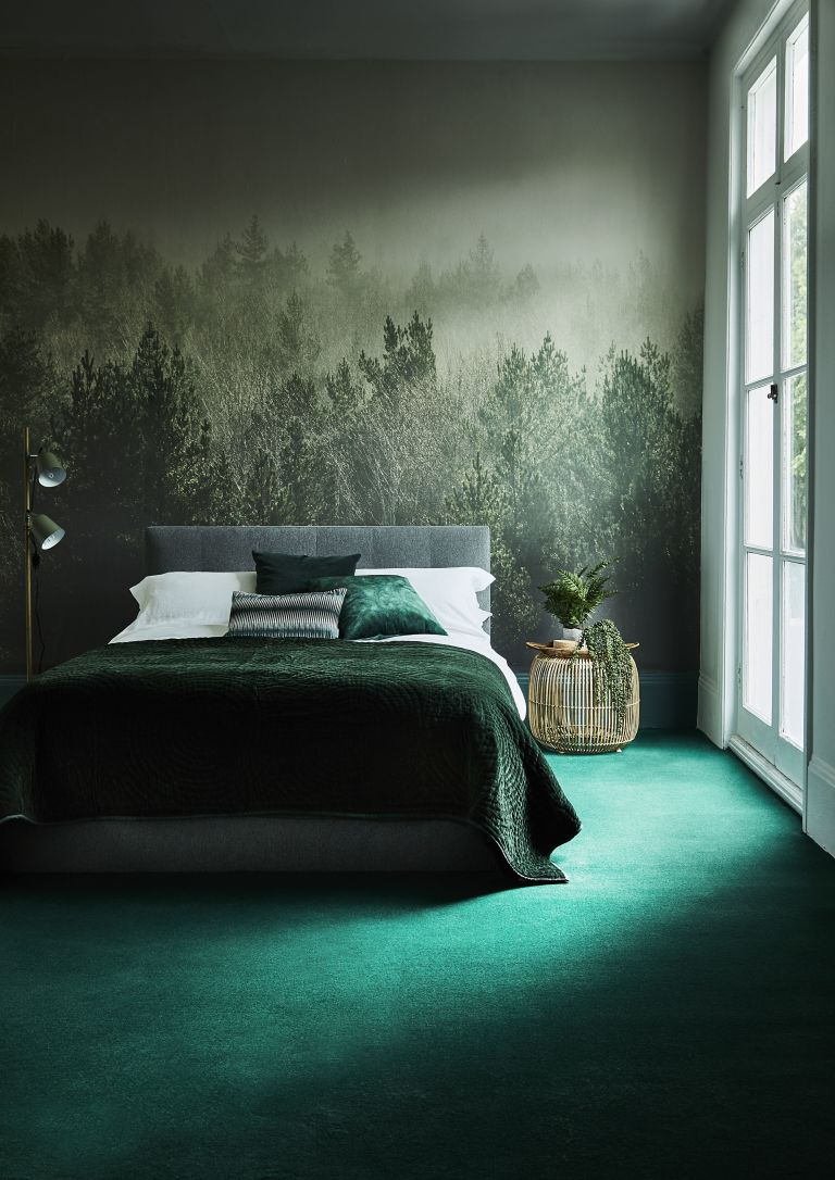 Emerald green interior Photo credit:http://www.housebeautiful.co.uk/decorate/looks/a2253/autumn-winter-home-interior-design-trends-2017/