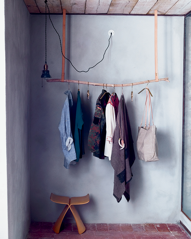 DIY project - make a branch clothes rail
