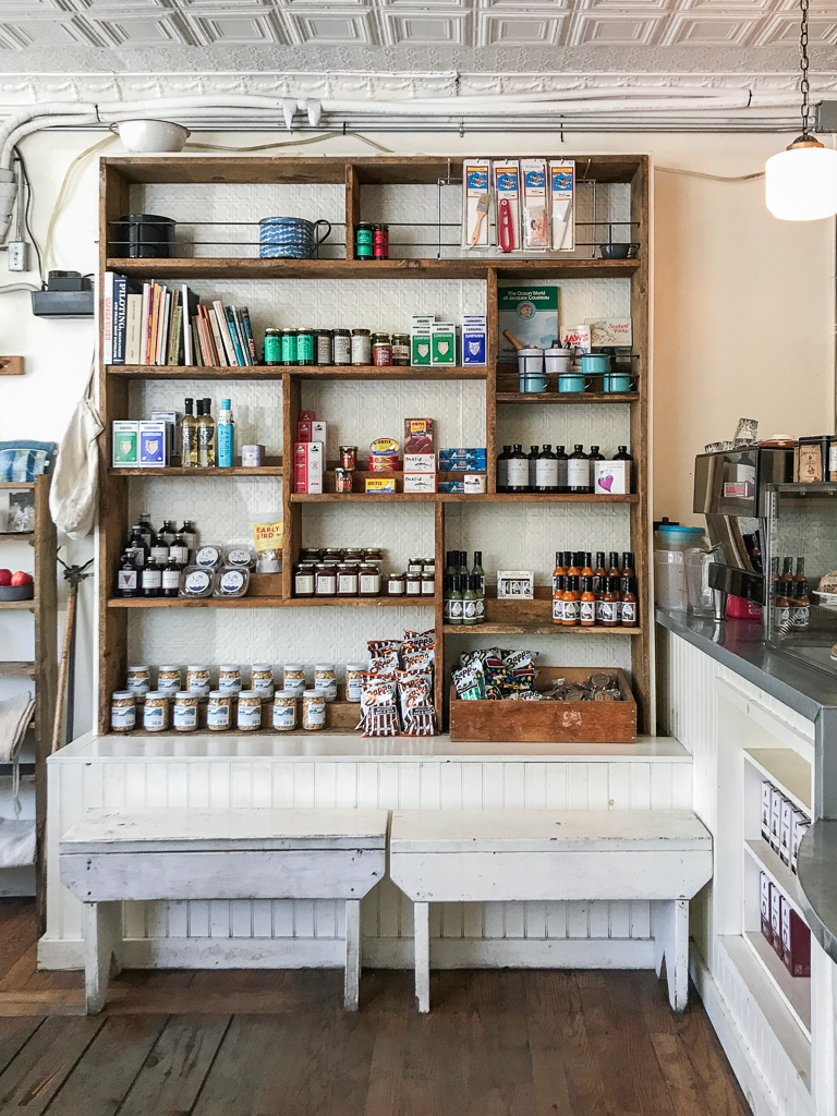 Littleneck Outpost - Instagrammer's guide to Greenpoint, Brooklyn